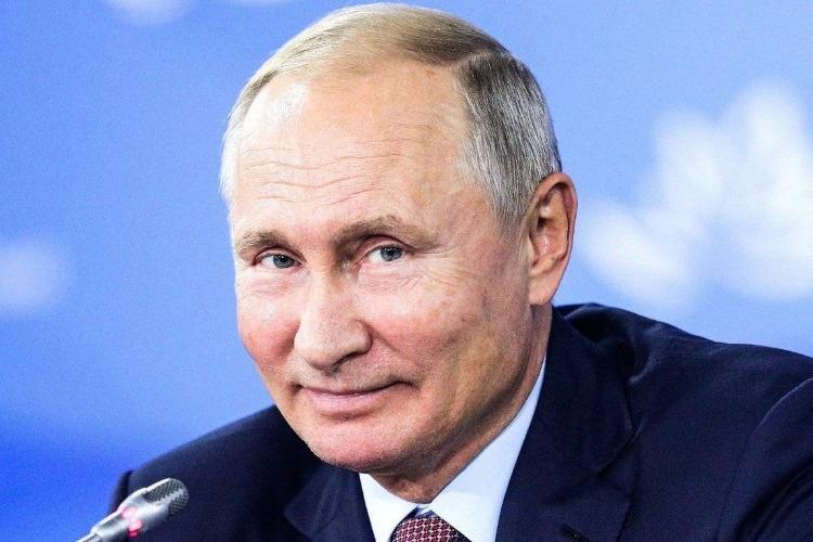 Более половины россиян хотят видеть Владимира Путина следующим президентом России