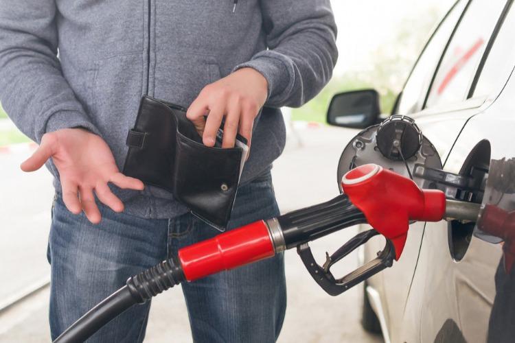 Цены на бензин поднимутся. Статистика показала доступность топлива для россиян