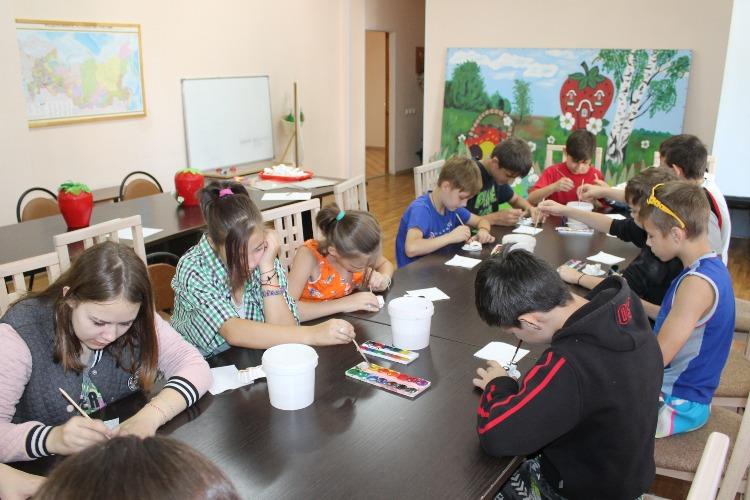 Скучать некогда! Дети из центра Семья посетили развлекательный музей