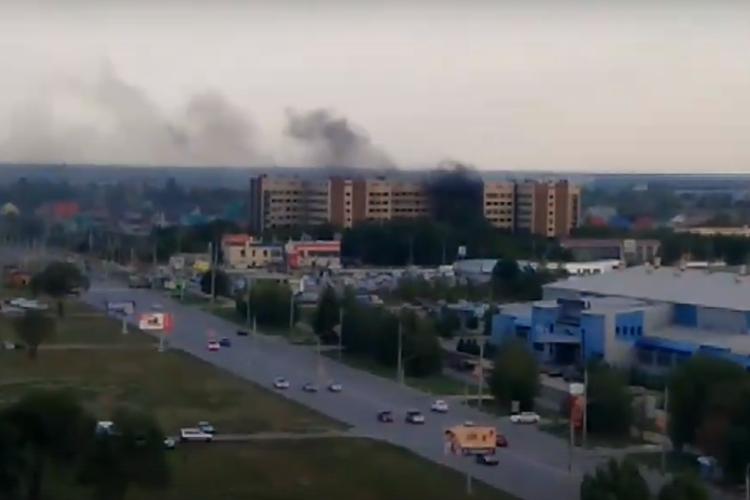 Горящий мусор балаковцы приняли за пожар в Медсанчасти