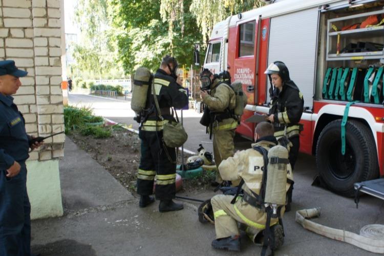 При пожарной тревоге в детском саде № 41 никто не спасовал