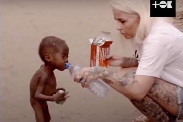 Волонтер спасла больного мальчика, которого посчитали проклятым. Видео