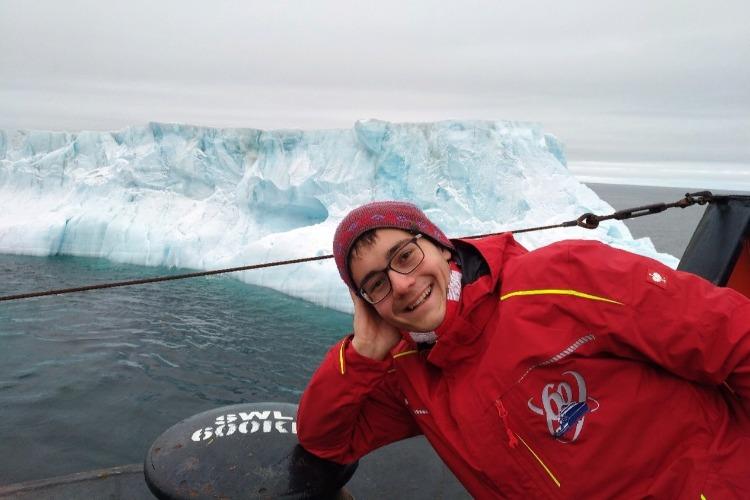 Наш человек - на Северном полюсе. Айсберги, шашлыки и мороженое
