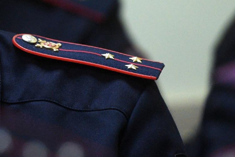 Офицеры полиции уличены в мародерстве над телом покойника