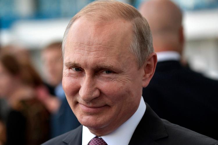 ВЦИОМ: почти 71% россиян доверяют В. Путину