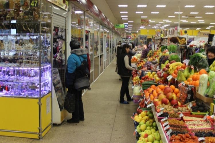 Балаковцев обирают на рынках под предлогом помощи детям и малоимущим