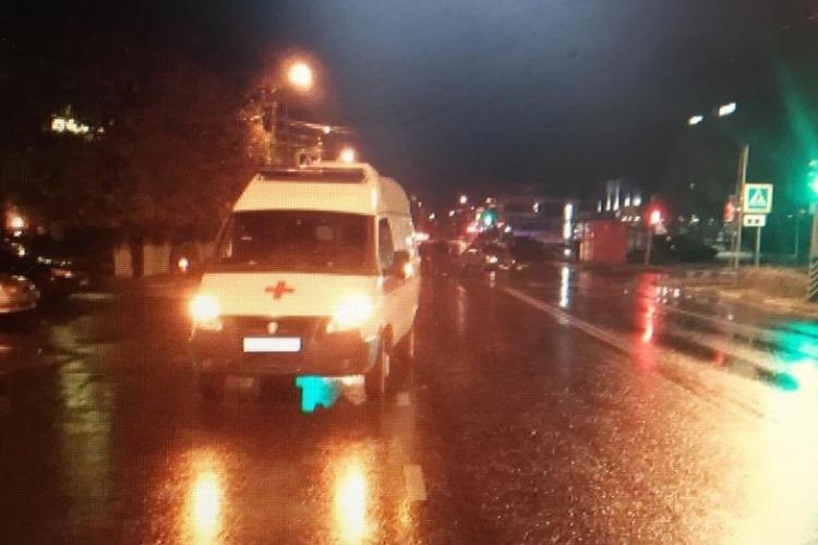Автомобиль скорой с ребенком в тяжелом состоянии попал в ДТП. Сводка ГИБДД Балакова