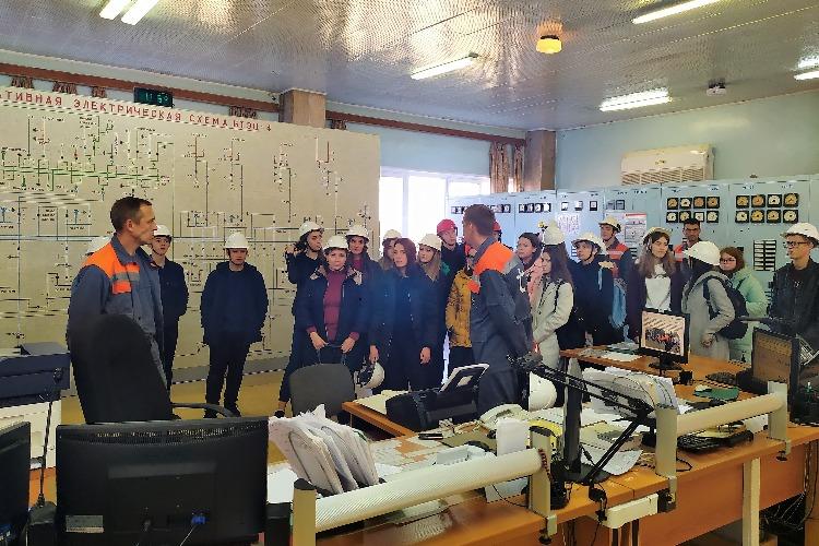 Теплоэнергетики провели профориентационную экскурсию для школьников