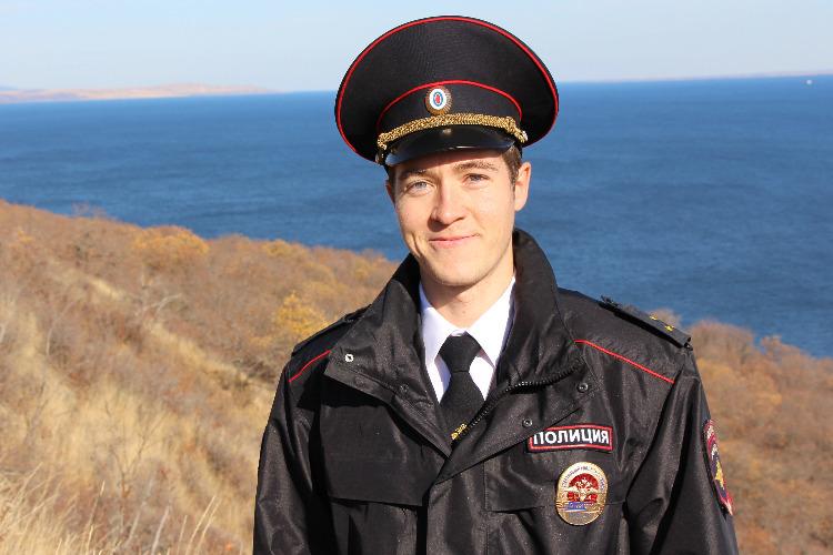 Народным участковым Саратовской области стал сотрудник полиции Балакова