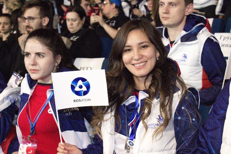 В Балаково прибыли три золотые медали Национального чемпионата рабочих профессий WorldSkills Hi-Tech 2019