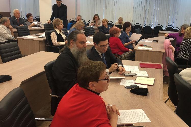 Геннадий Разжигаев – почетный гражданин района. Видео