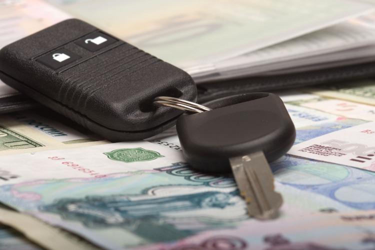 При продаже автомобиля лишилась около 100 тысяч