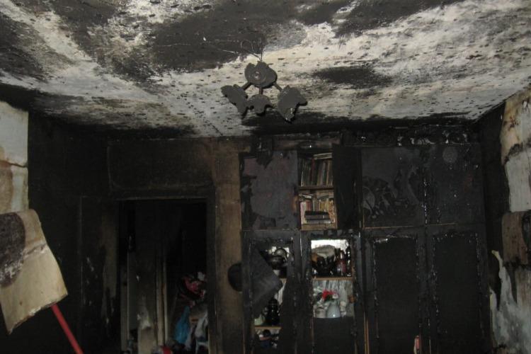На пожаре в Балакове погибла 78-летняя пенсионерка