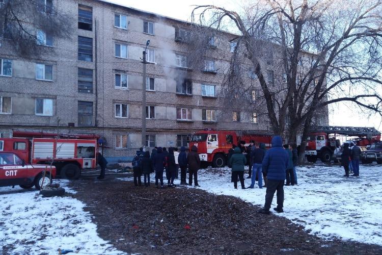 На выходных в Балакове горела квартира, лестничная клетка и мусорная куча
