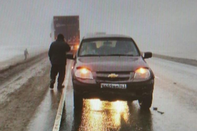 В столкновении Chevrolet NIVA и Peugeot пострадала пассажирка. Сводка ГИБДД Балакова