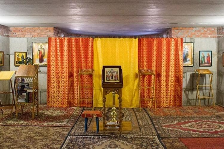 Из храма на Минской вынесли церковное серебро