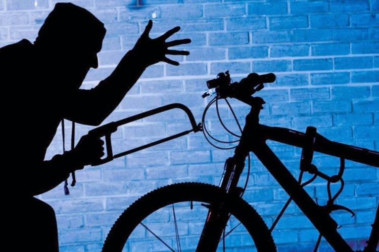 7-классника обвиняют в краже велосипеда