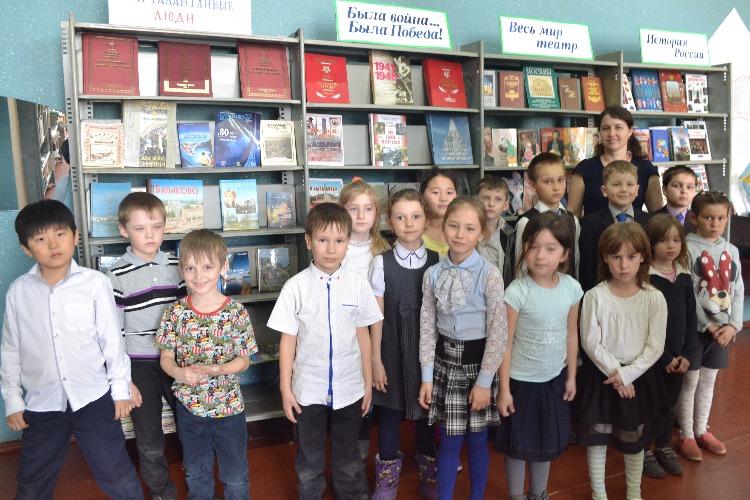 Депутат Панков обеспечит сельскую библиотеку современными гаджетами