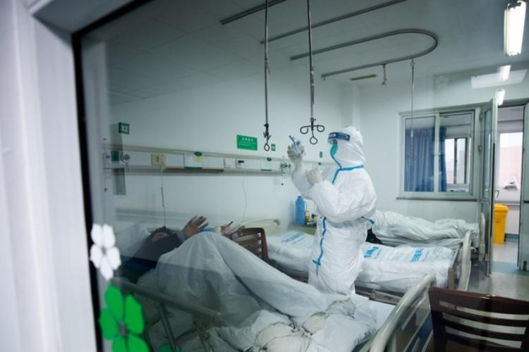 Что случилось этой ночью. Число жертв нового коронавируса в Китае достигло 106, заразившихся - больше 4,5 тысяч