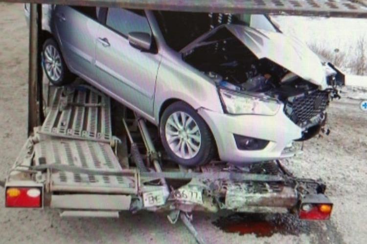 На трассе в ДТП попал автомобиль с женщиной и 5-летним ребенком