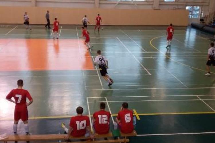 На выходных прошел очередной тур чемпионата города по мини-футболу