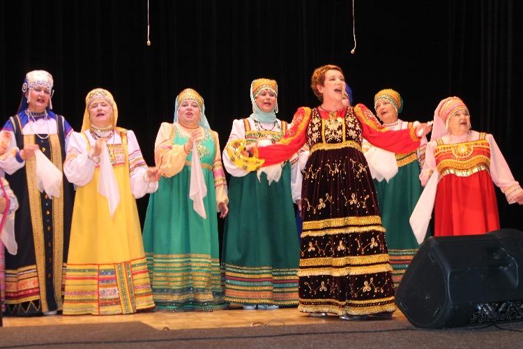 Хор русской песни встретил зрителей великодушно и с любовью