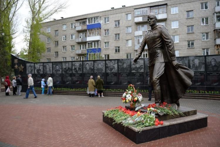 Возложение цветов 23 февраля состоится недалеко от Обелиска