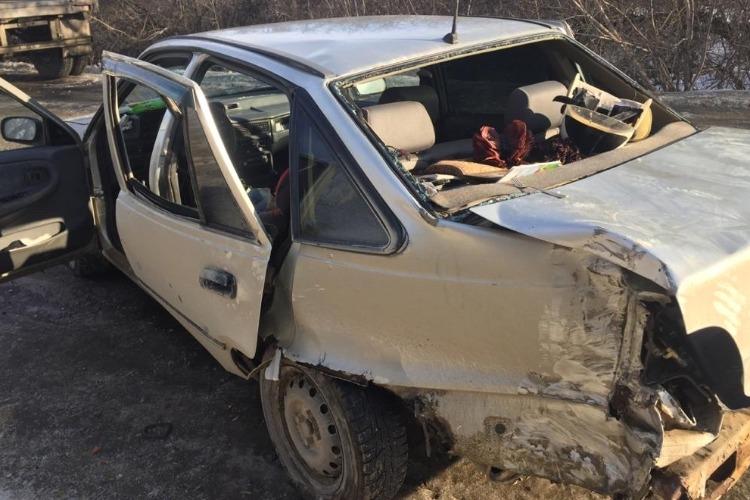 Под Вольском в ДТП пострадали 2 беременные девушки и парень
