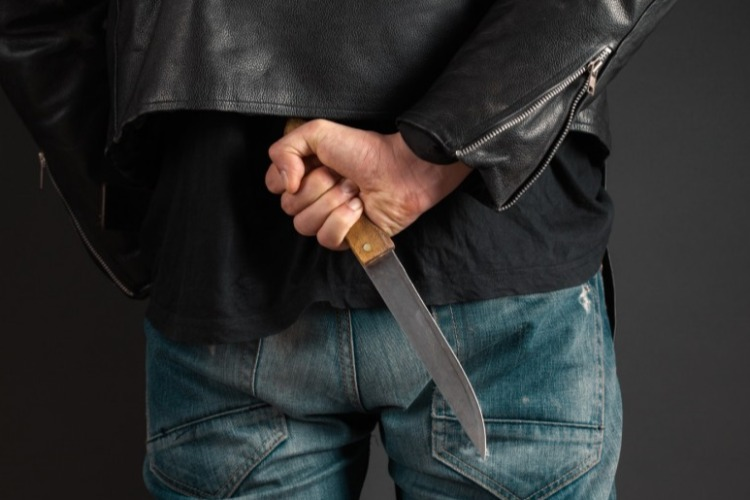 Мужчина, угрожавший расправой трем женщинам за день, получил срок