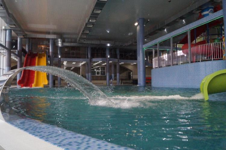 Наш обзор аквапарка в Сызрани. Прямой эфир Sutynews