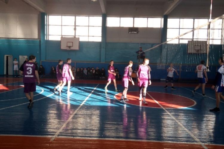 Дело было в Сосновке. Балаковские волейбольные вундеркинды стали третьими