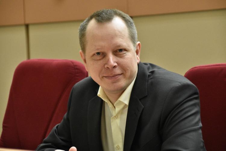 Депутат облдумы Владимир Есипов предложил поддержать жителей региона в пандемию выплатой в 10 тысяч