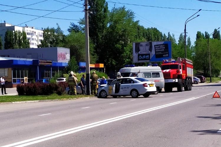 Škoda протаранила Hyundai у Айсберга