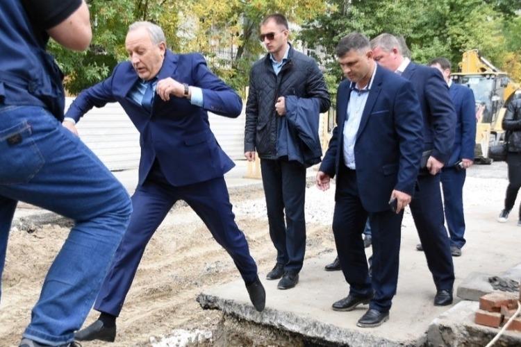 Радаев назвал туристическим изюмом Новобурасское болото и Ершовскую грязь