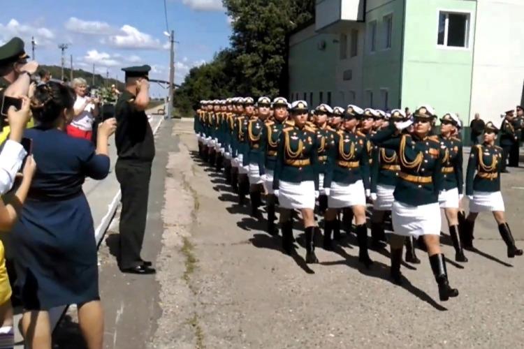 Вольские чаровницы вернулись с Парада Победы