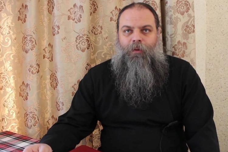 Разговорчики в редакции. Отец Михаил Родин - о массажистах-гастролерах, движухах, мемах и о бороде-лопате