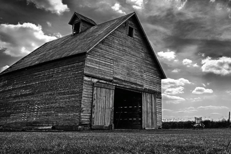 Почем нынче заброшенные фермы и пустующие дома?