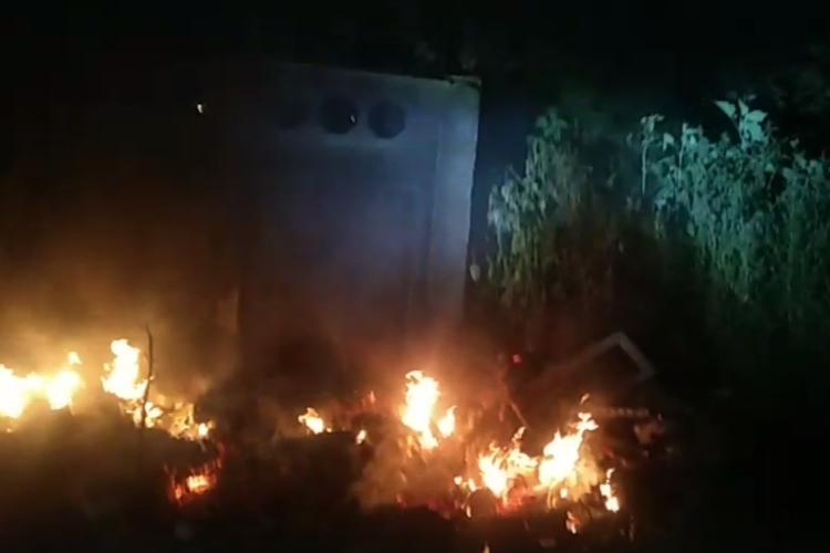 Ночью в Балакове горела крупная свалка мусора. Видео