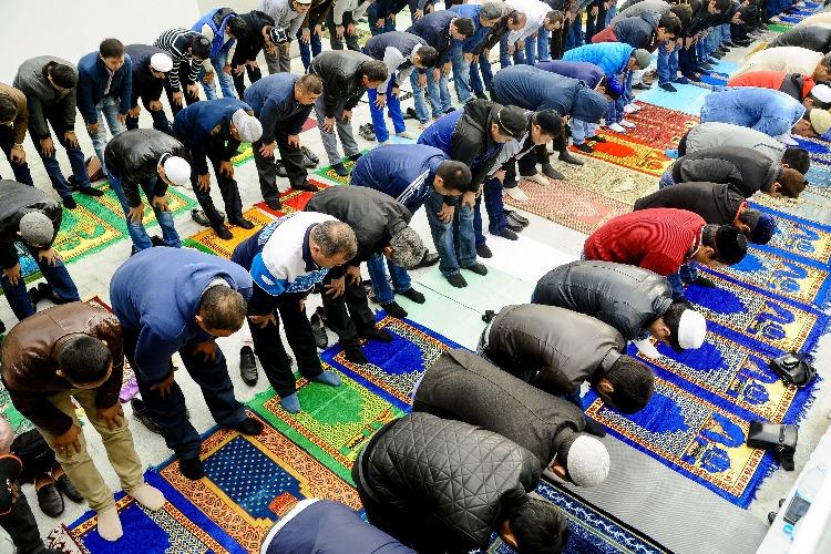 Балаковский имам поздравил мусульман и призвал отметить Курбан-байрам в узком кругу близких