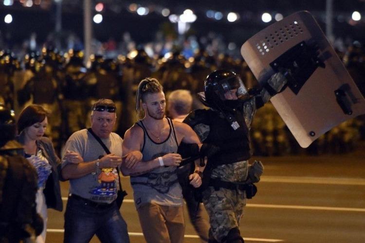 Что случилось этой ночью. В Минске прошла третья ночь протестов