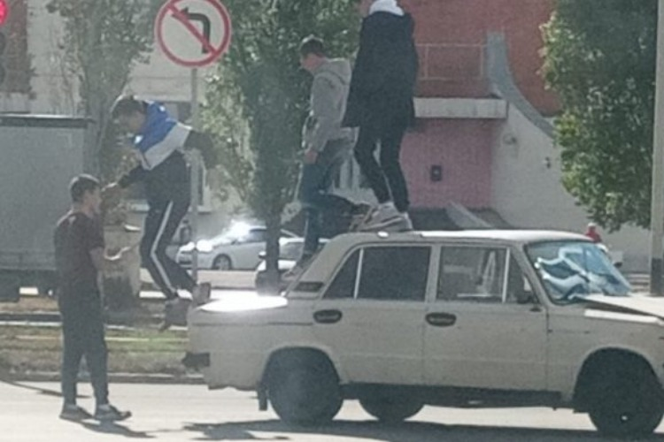 Балаковские подростки сделали шок-селфи сразу после ДТП