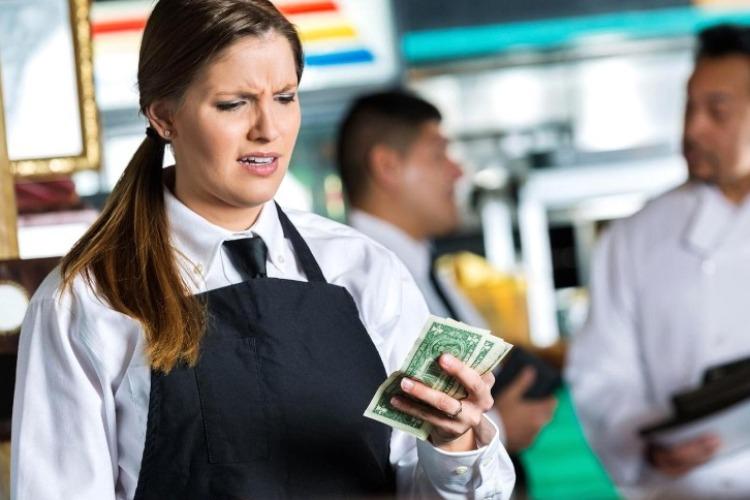 В ресторанной сфере упали зарплаты