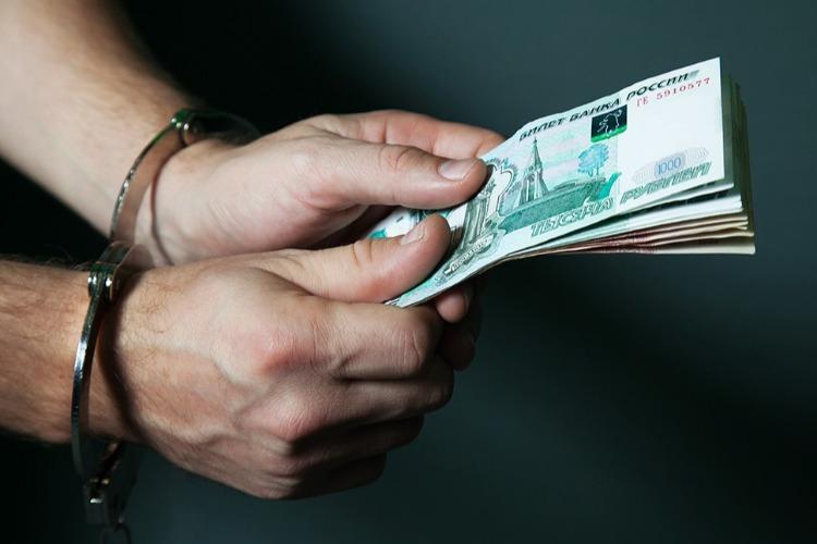Сотрудник балаковского водоканала подозревается в получении взятки