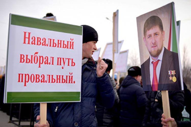Кадыров предложил Навальному считать заказчиком отравления его самого