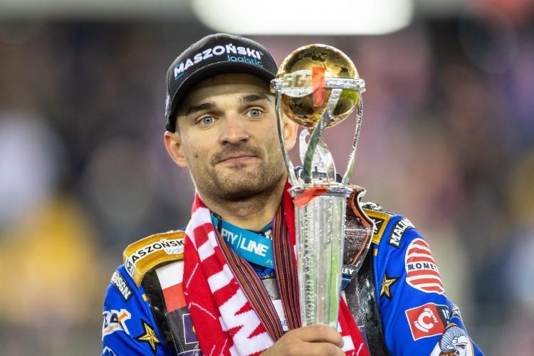 Бартош Змарзлик защитил титул чемпиона мира по спидвею. Эмиль - восьмой, Лагута - седьмой