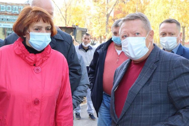 Депутат Панков пригласит лабораторию проверить качество тротуара в Балаково