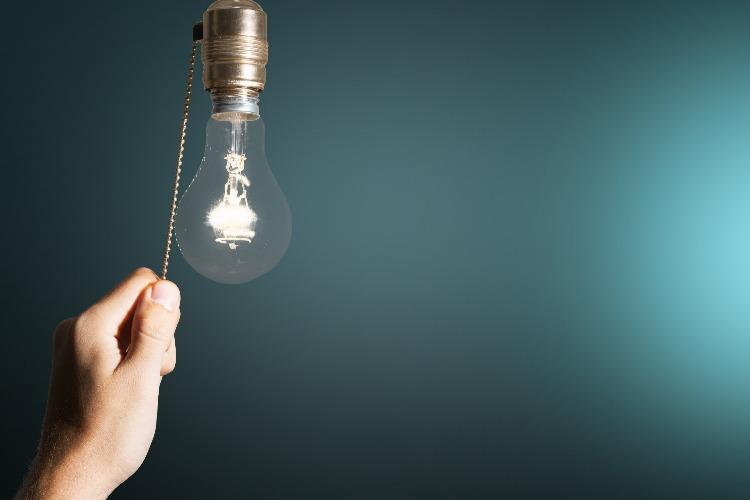 Завтра в Балакове вновь пройдут массовые отключения света. Список адресов