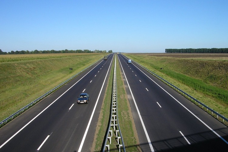 Вячеслав Володин пообещал четырехполосную дорогу до Саратова, аэропорт и новый мост через Волгу