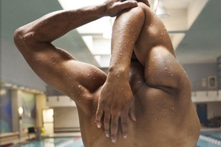Новый нелепый рецепт от ковида: побольше плавать, поглубже нырять