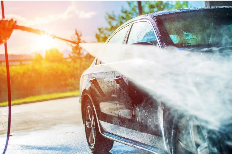 Только сегодня в честь открытия автомойки можно помыть машину бесплатно. Где?